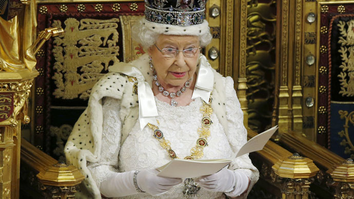 Britain's Queen Elizabeth delivers her speech to the House of Lords in the Palace of Westminster, during the State Opening of Parliament, in London, Britain, May 27, 2015. (Reuters/Alastair Grant)