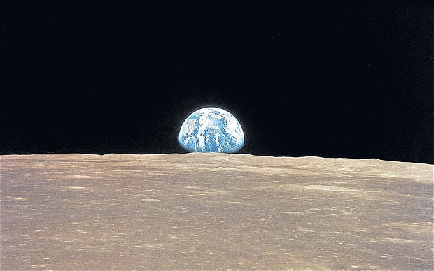 A view of the Earth from the Moon