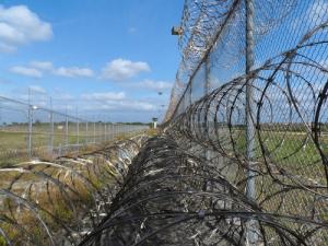 prison-fence1