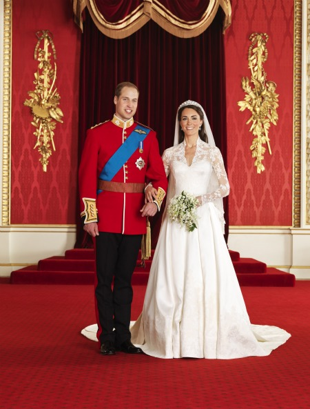http://worldtruth.tv/wp-content/uploads/2015/04/0501-1-royal-wedding-official-portraits-prince-william-princess-kate_we.jpg