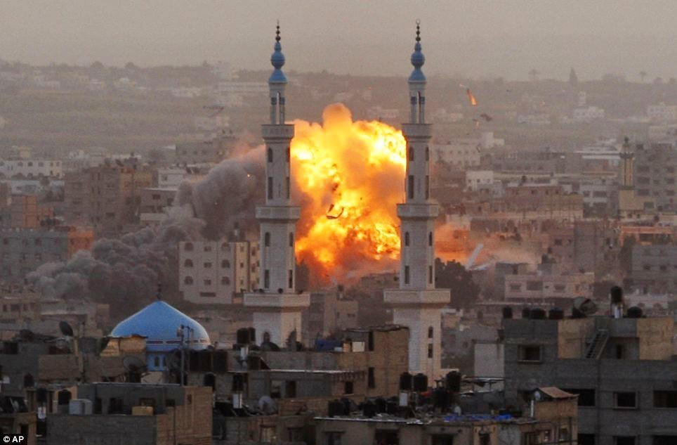 http://www.indymedia.ie/attachments/nov2012/israeli_bomb_explosion_in_gaza_nov18_2012.jpg