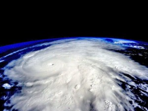 2015-10-24t014918z_970039965_tm3eban1og201_rtrmadp_3_us-mexico-storm-patricia_read-only-1