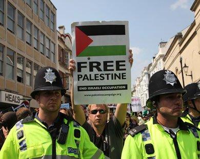 What the Zionist lobby fears most is free speech. (via Aljazeera)