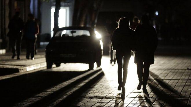 Dark street in central Simferopol, 22 Nov 15