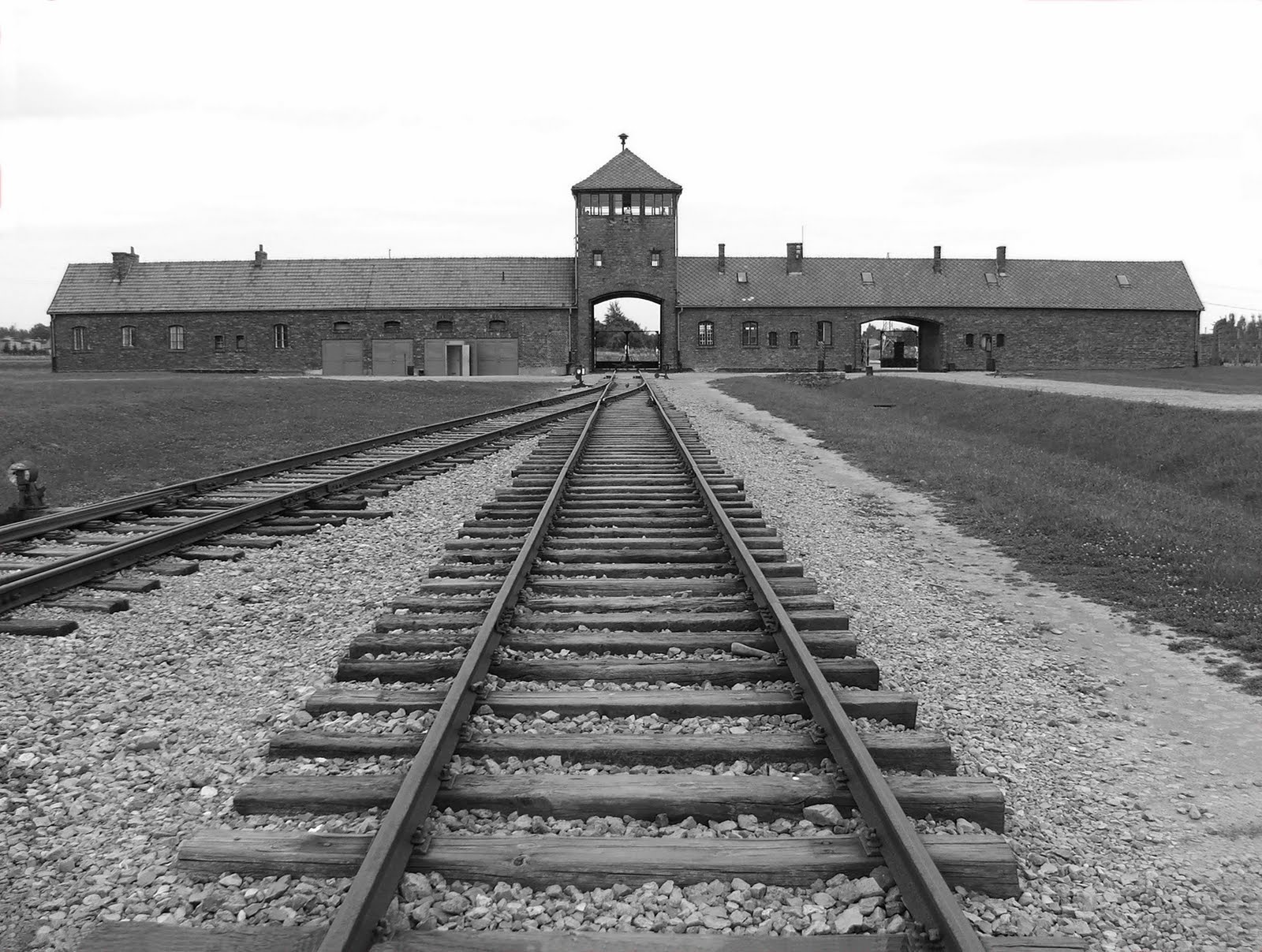 an analysis of the topic of the research on birkenau concentration camp