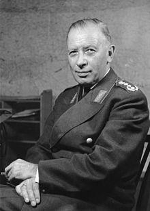 Bundesarchiv Bild 146-2005-0030, Adolf Heusinger.jpg