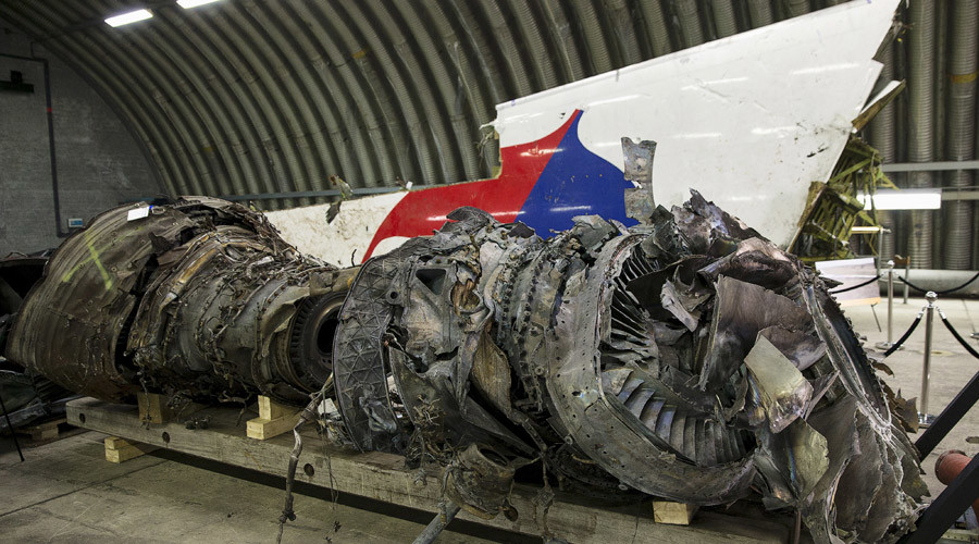 Wreckage of the MH17 airplane is seen after the presentation of the final report into the crash of July 2014 of Malaysia Airlines flight MH17 over Ukraine in Gilze Rijen, the Netherlands, October 13, 2015. © Michael Kooren