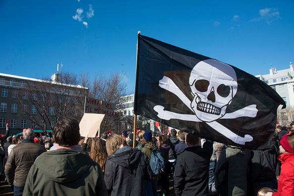 pirate-party-protest-iceland-panama.jpg