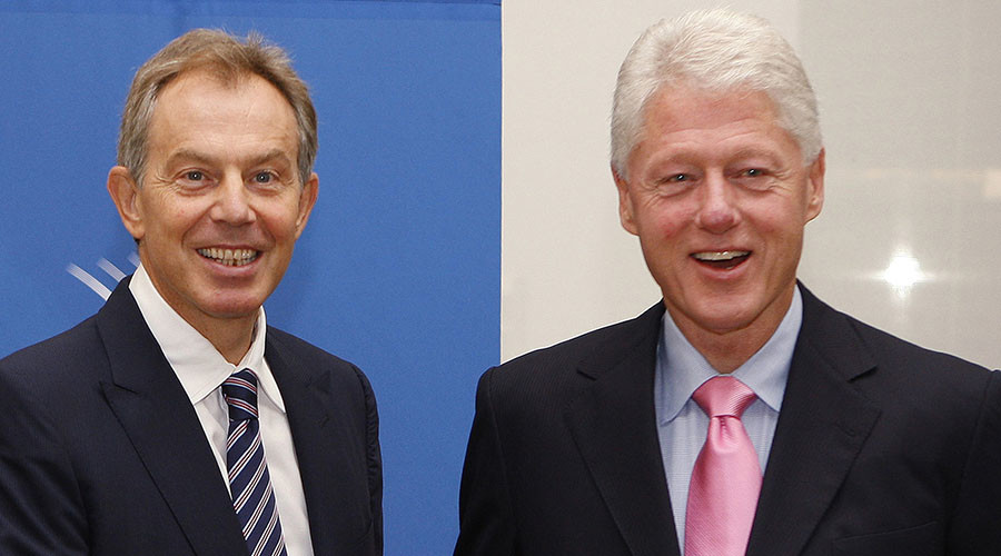 Former U.S. president Bill Clinton (R) and former British prime minister Tony Blair. ©Chip East