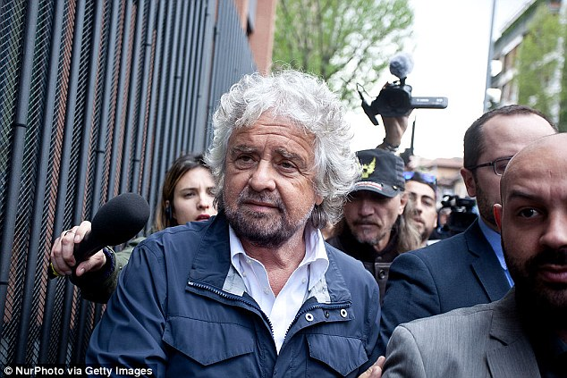 Beppe Grillo, leader of the populist Five Star movement, said: ¿The mere fact that a country like Great Britain is holding a referendum on whether to leave the EU signals the failure of the EU'