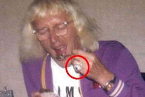 Jimmy-Savile-glass-eye-fingerring