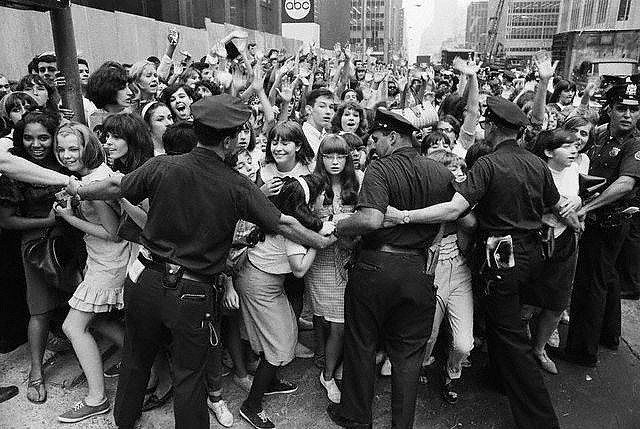Fans at Shea Stadium in 1965