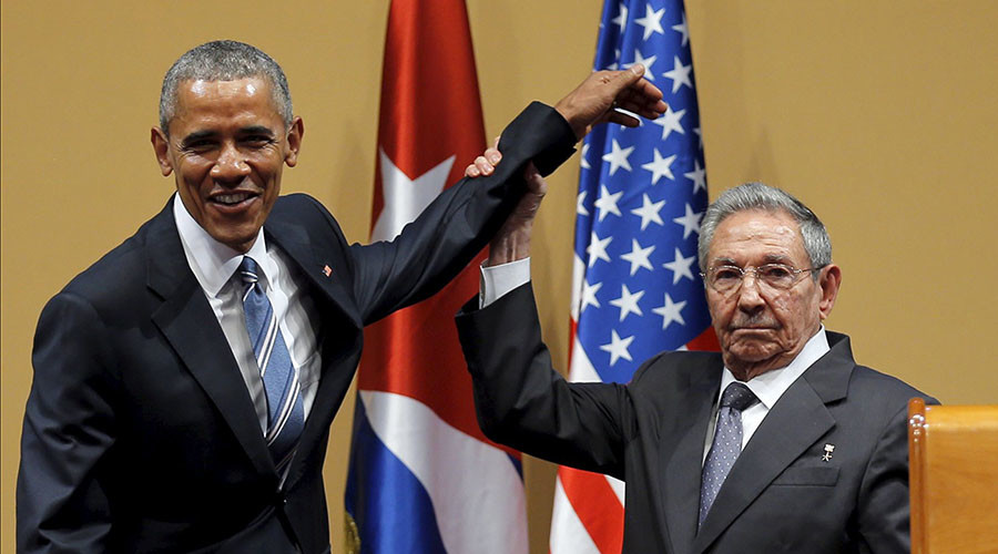 U.S. President Barack Obama and Cuban President Raul Castro gesture after a news conference as part of President Obama's three-day visit to Cuba, in Havana March 21, 2016. ©Carlos Barria