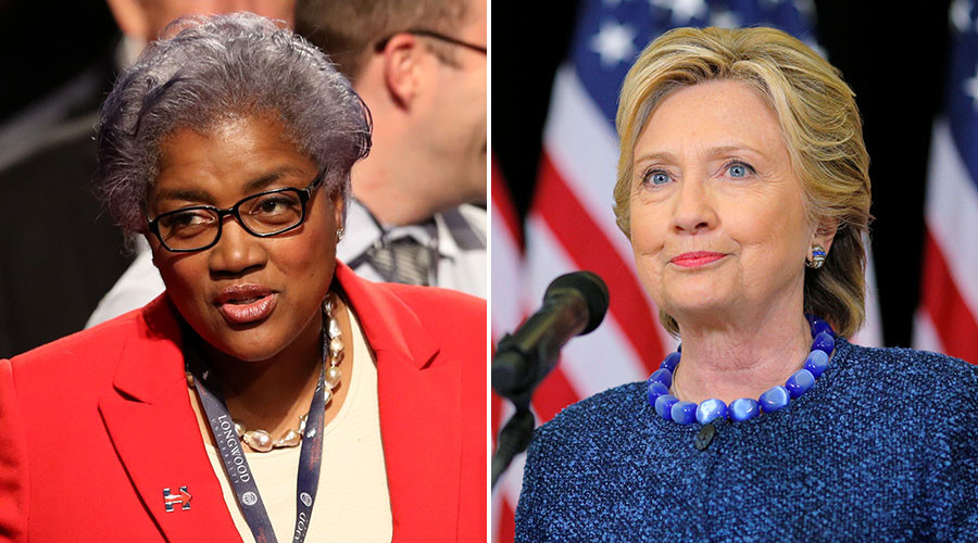 Democratic National Committee Chair Donna Brazile and U.S. Democratic presidential nominee Hillary Clinton. © Reuters