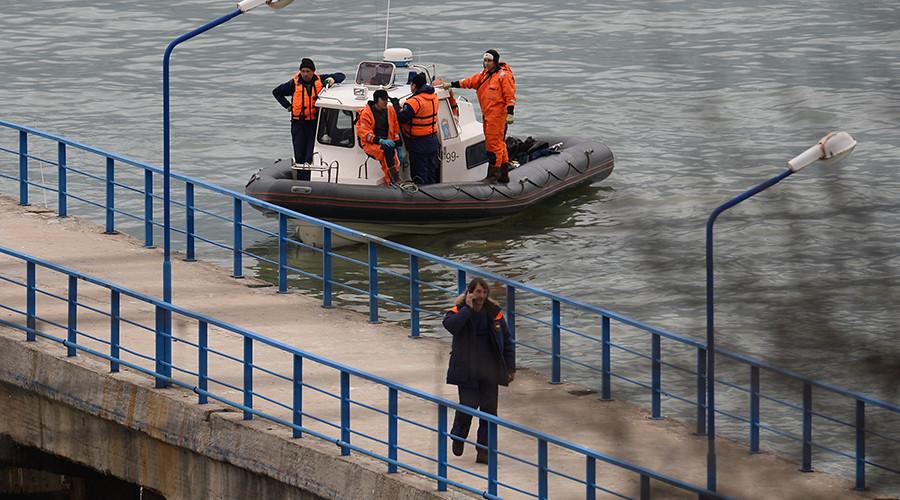 A rescue operation on the Black Sea coast at the crash site of Russian Defense Ministry's TU-154 aircraft © Nina Zotina