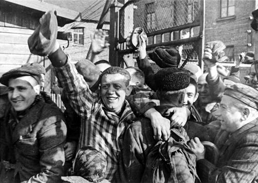 http://www.scrapbookpages.com/Poland/Auschwitz/OldPhotos/AuschwitzLiberation.jpg