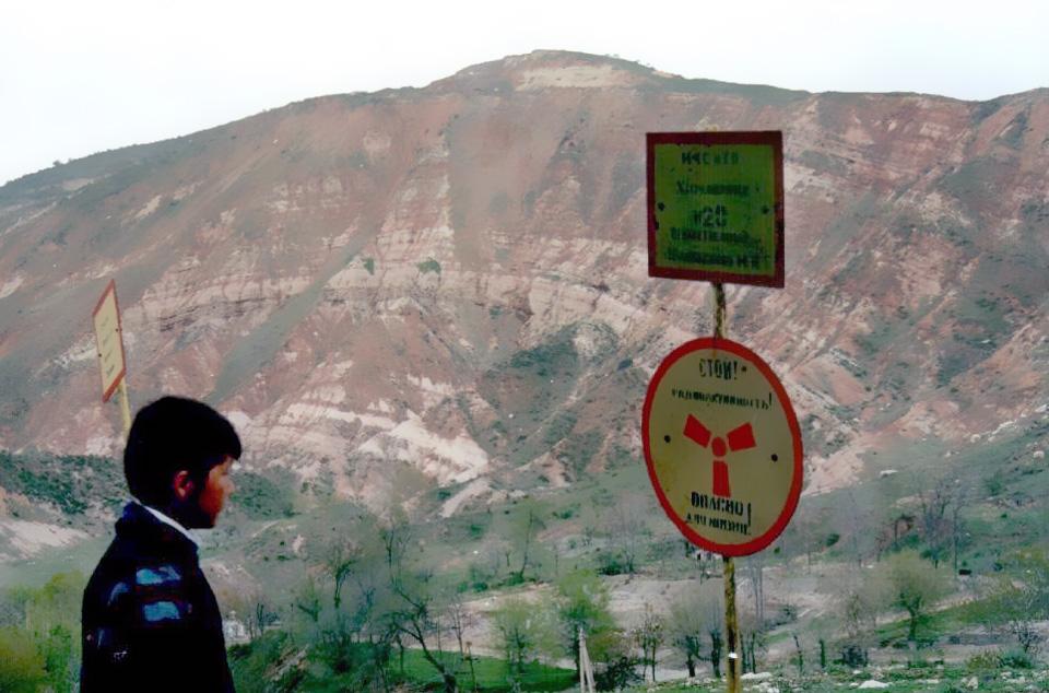 Kyrgyzstan-uranium-mining-warning-sign