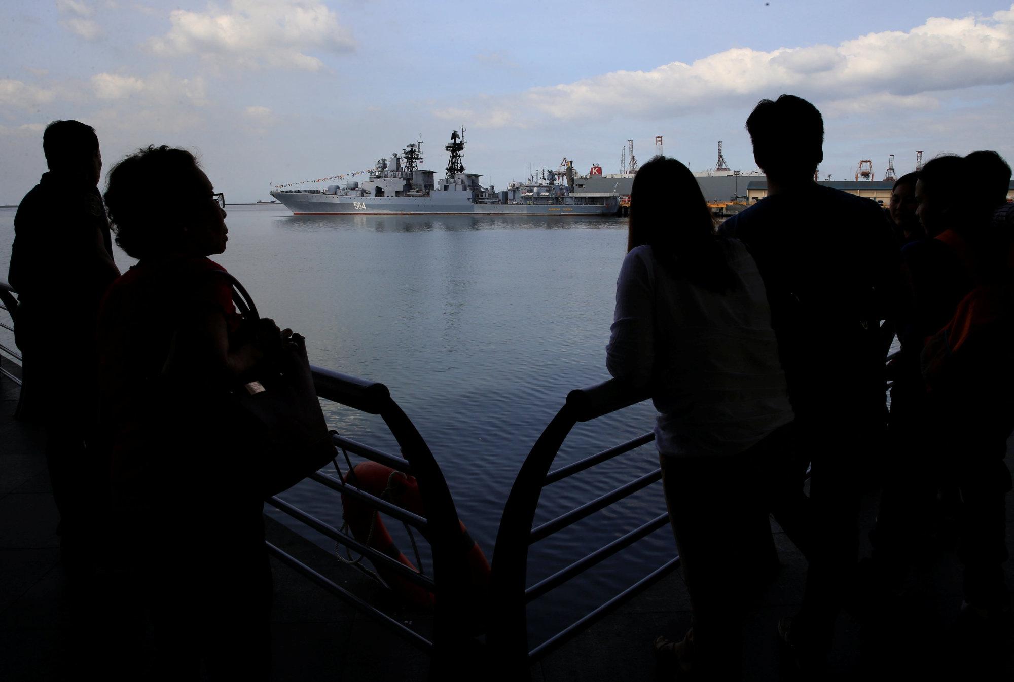 http://45eq7vmb9bj1ratu11zv1p19.wpengine.netdna-cdn.com/wp-content/uploads/2017/01/manila-warships.jpg