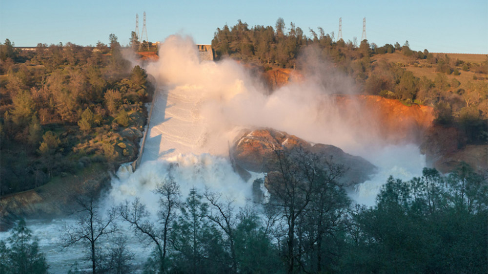 Image: Oroville dam emergency demonstrates how incompetent bureaucrats are marching California into catastrophic collapse at every level