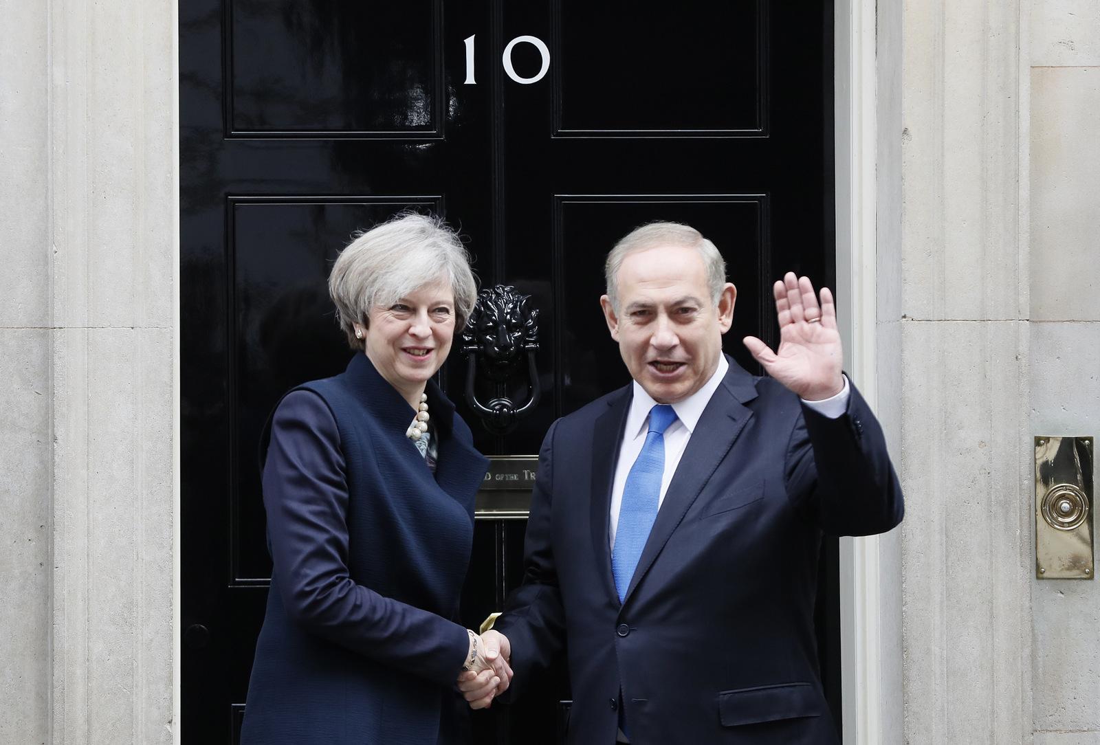 Britain's Prime Minister Theresa May greets Prime Minister Benjamin Netanyahu of Israel at Downing Street in London, Monday, Feb. 6, 2017. (AP/Kirsty Wigglesworth)