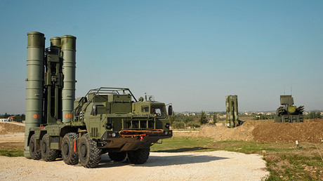 FILE PHOTO: An S-400 air defence missile system at the Hmeymim airbase, Syria. © Dmitriy Vinogradov