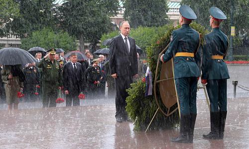 Putin_in_the_rain.jpg