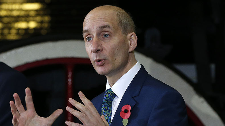 Anger of Adonis: British Lord joins political onslaught against RT's ads with Twitter rant