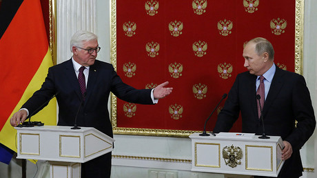 Russian President Vladimir Putin and German President Frank Walter Steinmeier  in Moscow, Russia October 25, 2017 © Yuri Kochetkov