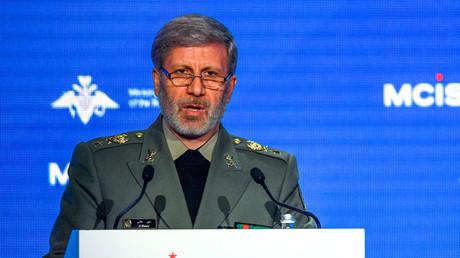 Iranian Defense Minister Amir Hatami in Moscow on April 4, 2018.© Alexander Nemenov