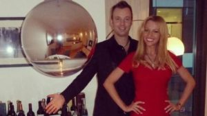 Novichuckle restaurant to sue couple for staged poisoning.