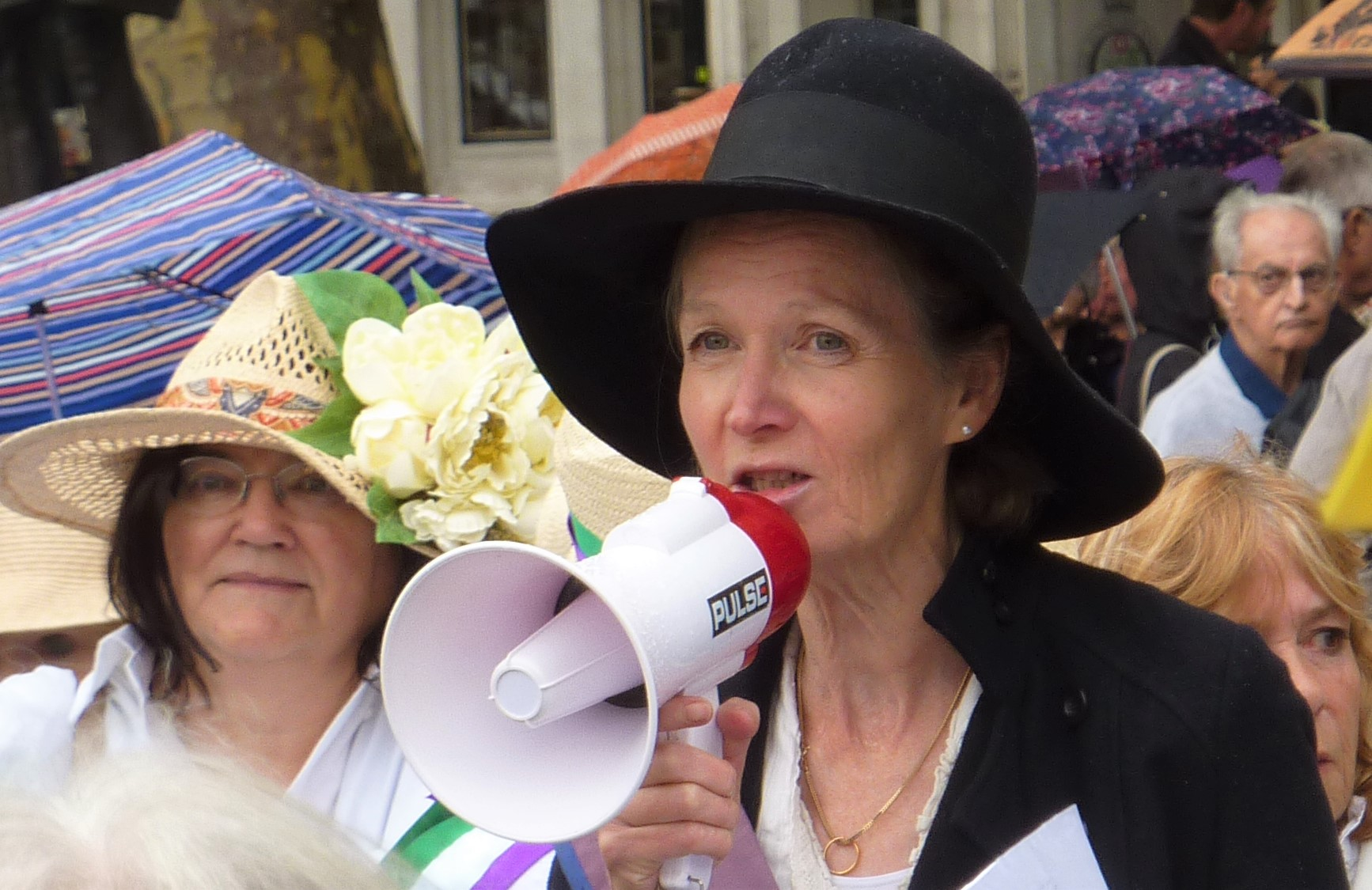 Vicki Elcoate addresses the 100 Women rally, Parliament Square. Photo: DrillOrDrop, 12/9/2018