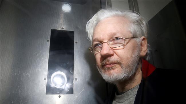 Australian MP to visit Julian Assange in prison