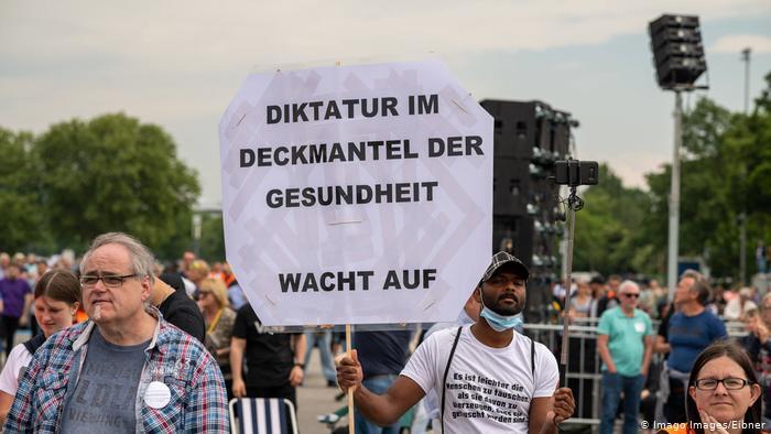 Anti-lockdown protesters in Stuttgart