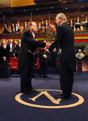 Luc Montagnier receiving the 2008 Nobel Prize in medecine